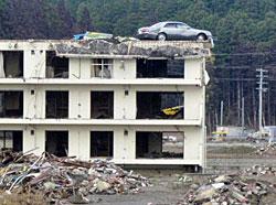瓦礫の撤去が進み、片付いてきていますが、まだまだです。(南三陸町)
