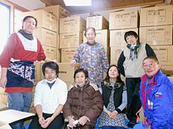 大船渡宿舎に、配布会用物資を搬入。被災者やボランティアのみなさんのおかげで配布会の準備ができました。