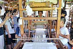 機織りの実演を見ました